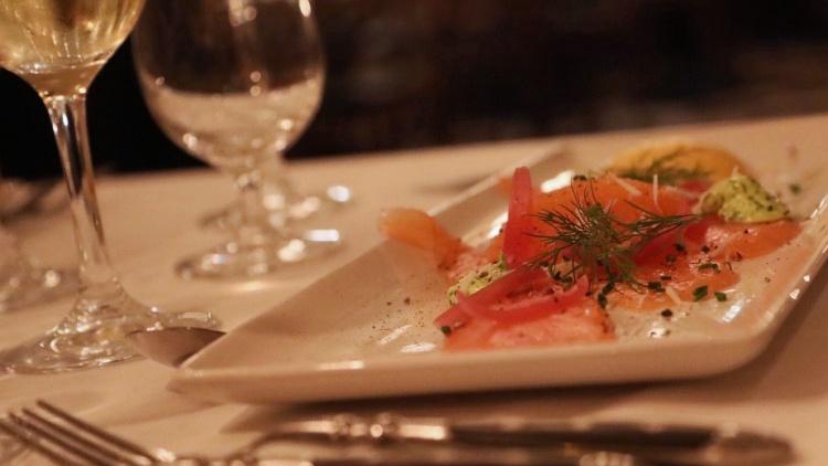 Bild på fantastisk mat från Johans Krog, som ligger mitt på Marstrand.